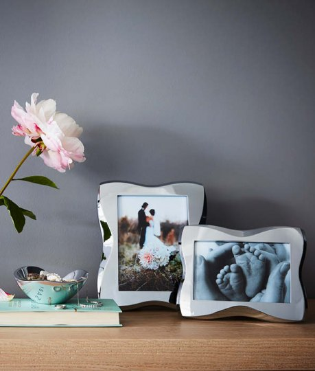 Give the perfect gift or make a style statement with our decorative picture frames and vases